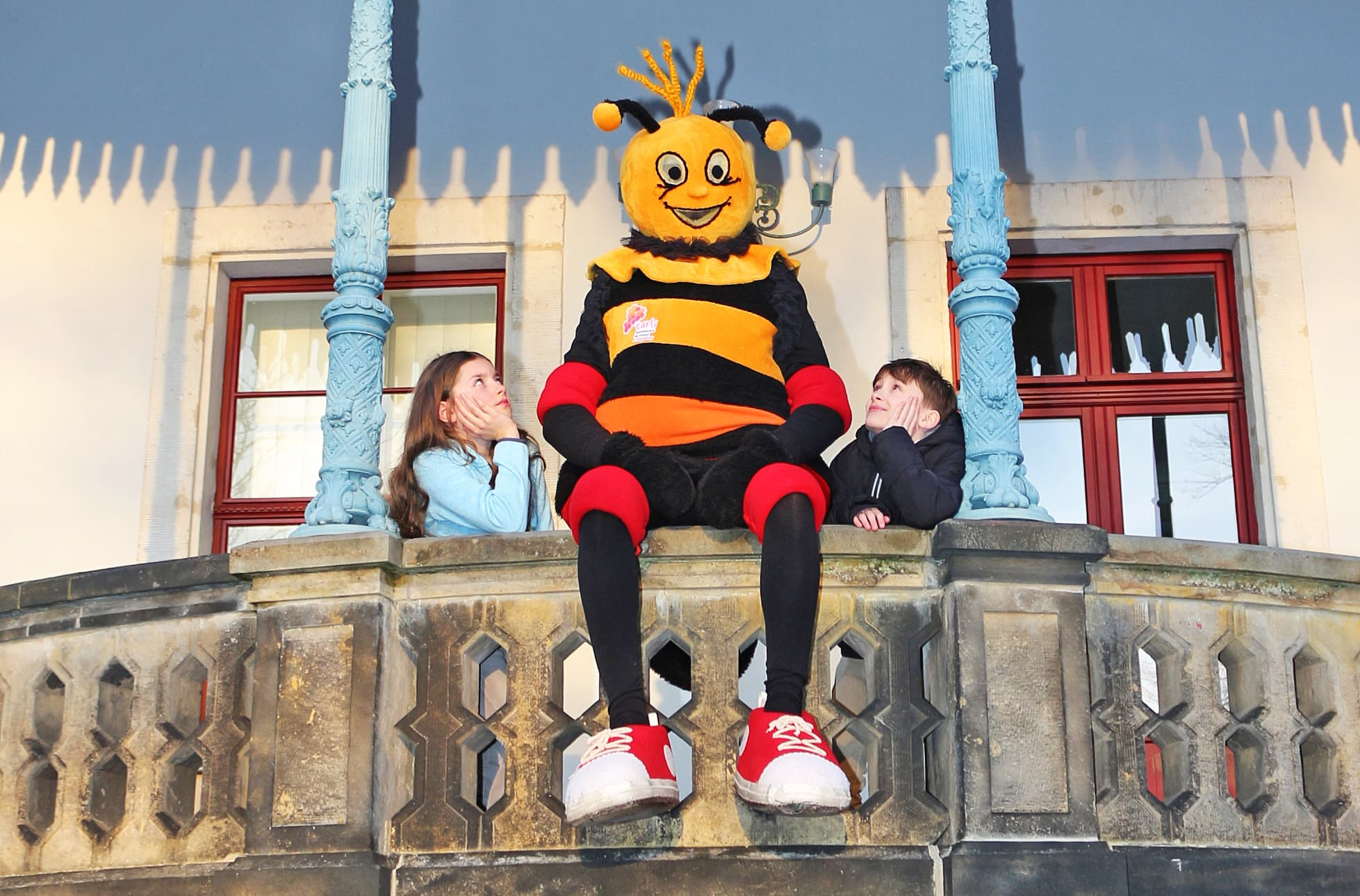 Carli auf Schloss Burgk mit Kindern