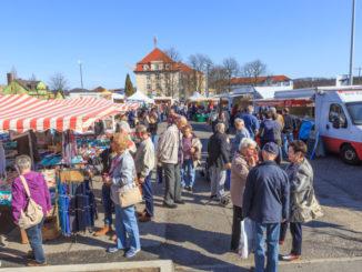 Wochenmarkt, Neumarkt, Stadtflohmarkt