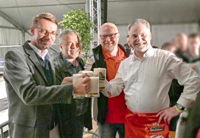 Fassanstich. Damit war das Windbergfest Freital 2019 offiziell eröffnet. Bild v.l.n.r. Innenminister Roland Wöller, Landrat Herr Geißler, Geschäftsführer SZ Herr Seidel, OB Freital Uwe Rumberg