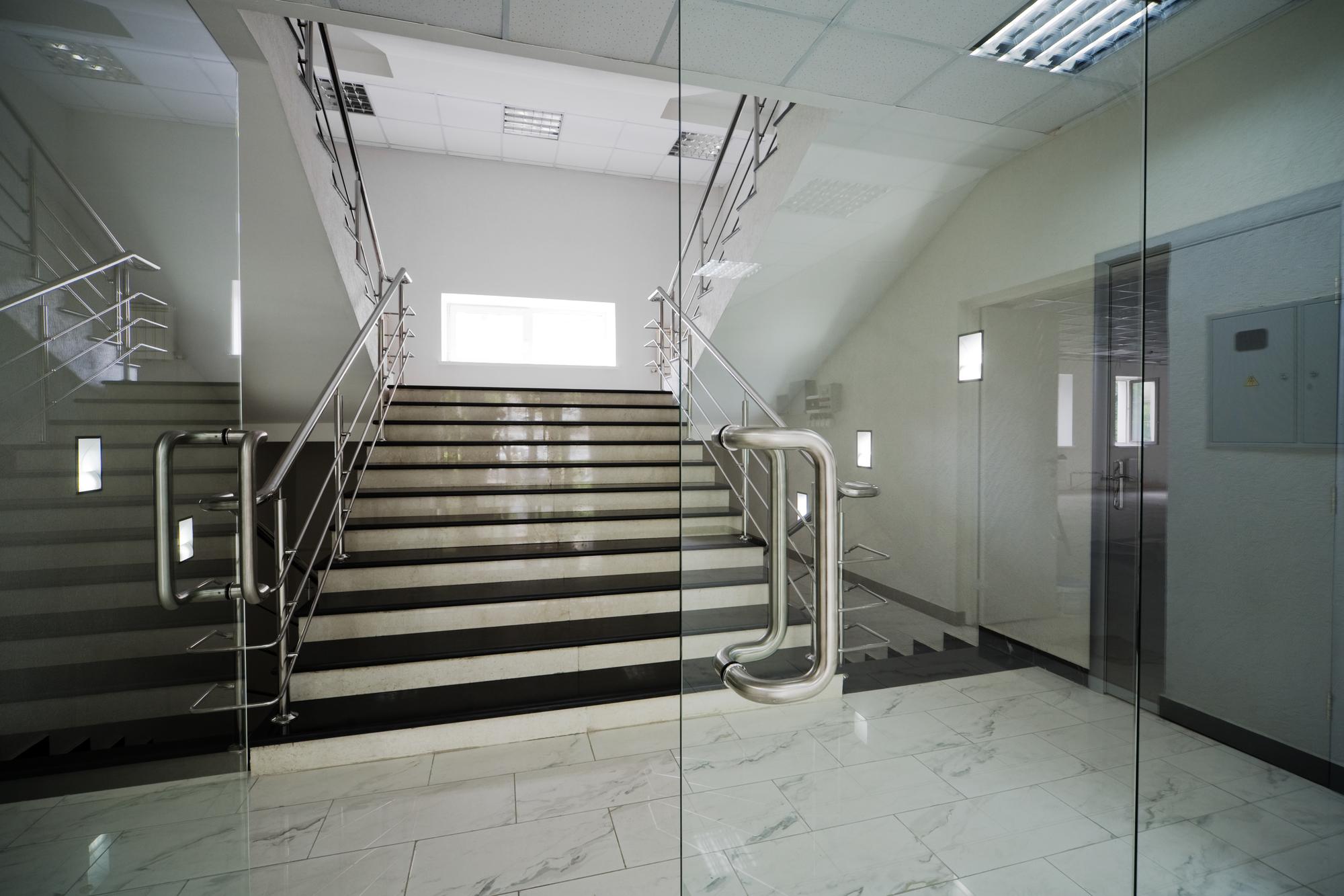 Glas Trennwand und Türen ©igterex/depositphotos.com