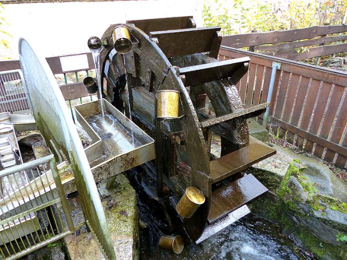 Wasserrad am Hotel im Rabenauer Grund