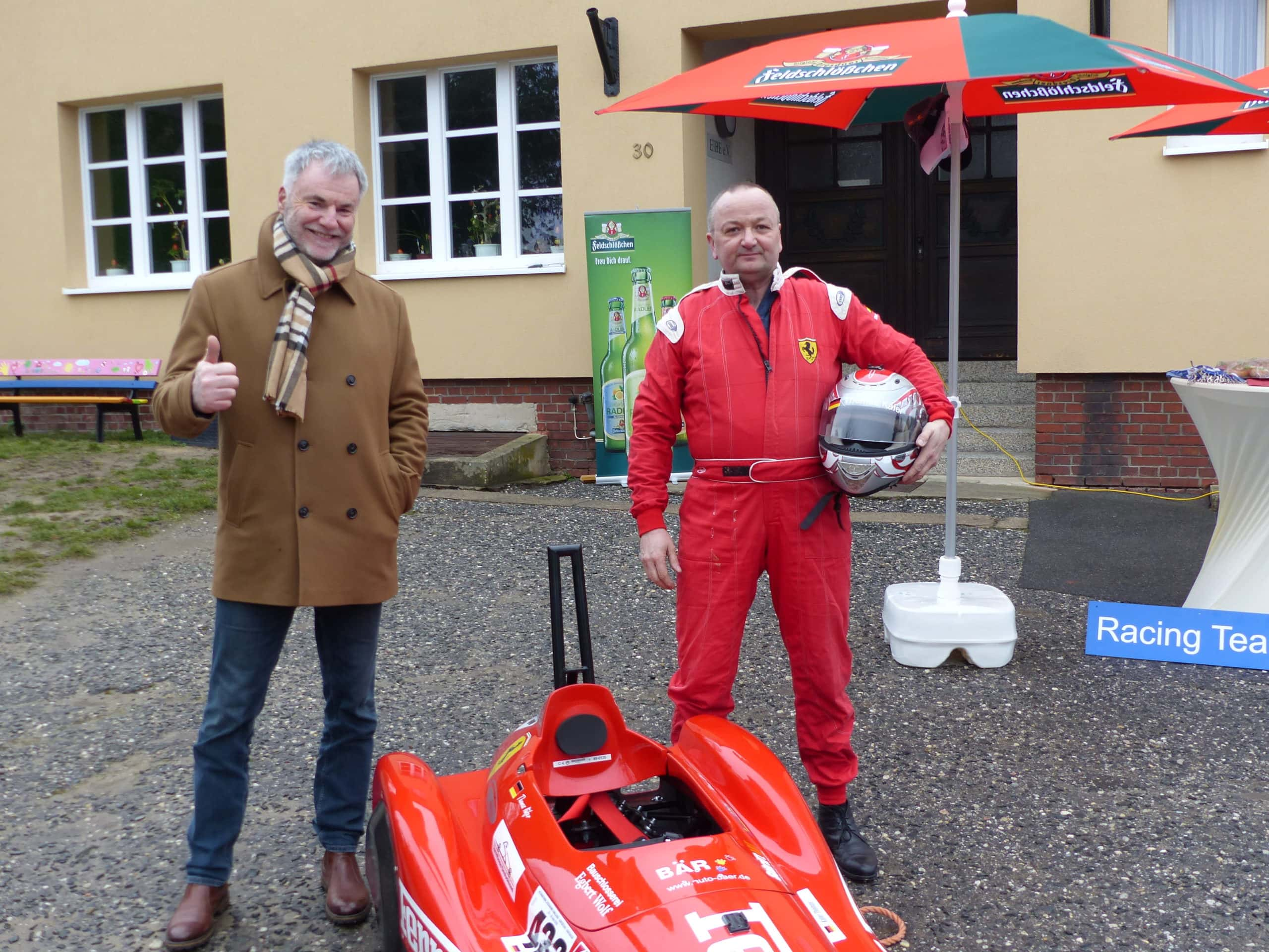 Freitals Oberbürgermeister Uwe Rumberg (li.) mit Organisator Thomas Käfer